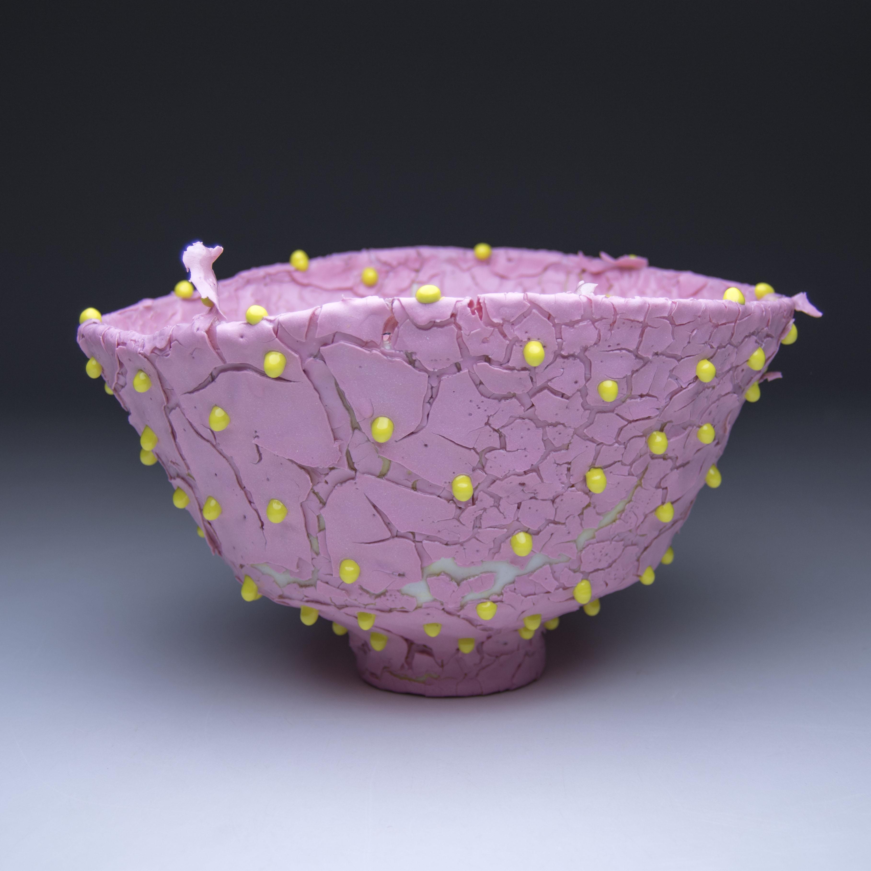 Kiyoshi Kaneshiro, <em> Bowl (3) </em>, 2019. Porcelain and glaze, 5 x 9 x 9 inches (12.7 x 22.9 x 22.9 cm)