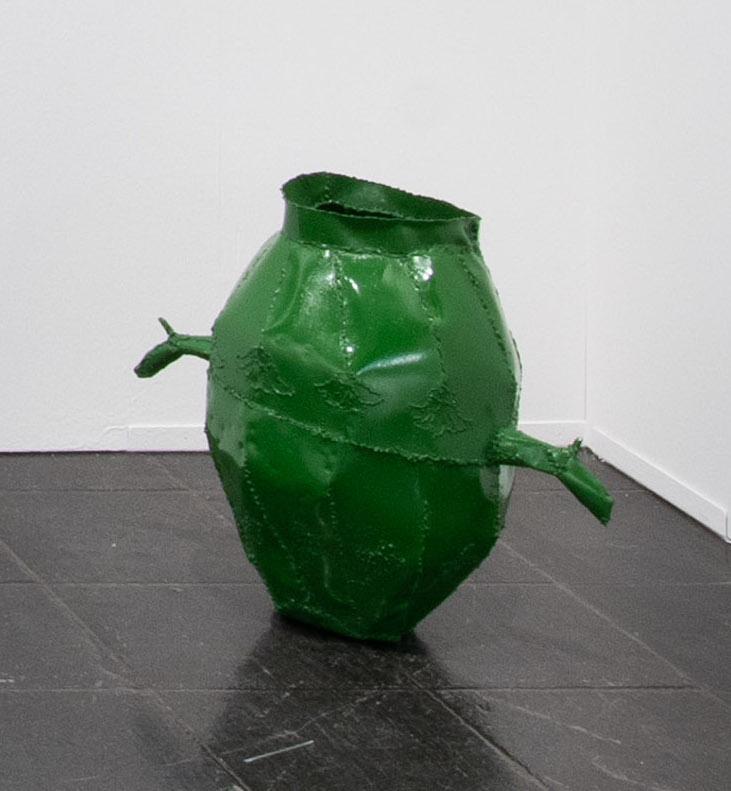 Jesse Pollock.<em> Pincer Pot</em>, 2019. Mild steel, enamel paint, 19 5/8 x 19 5/8 x 11 3/4 inches (50 x 50 x 30 cm)