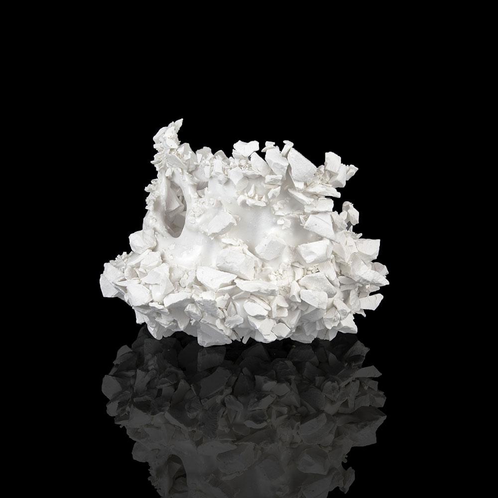 Kiyoshi Kaneshiro. <em>Fractured Vessel (43)</em>, 2020. Porcelain and glaze, 7 x 9 1/2 x 9 1/2 inches (17.8 x 24.1 x 24.1 cm)