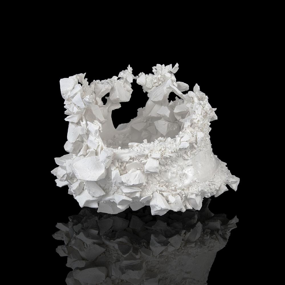 Kiyoshi Kaneshiro. <em>Fractured Vessel (47)</em>, 2020. Porcelain and glaze, 7 x 9 1/2 x 9 1/2 inches (17.8 x 24.1 x 24.1 cm)