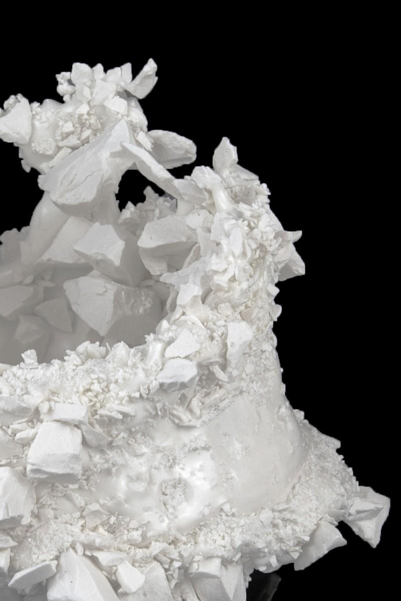 Kiyoshi Kaneshiro. <em>Fractured Vessel (47)</em>, 2020. Porcelain and glaze, 7 x 9 1/2 x 9 1/2 inches (17.8 x 24.1 x 24.1 cm) Detail